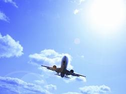長時間の空の旅を快適に過ごすコツ10選
