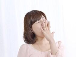 震えにめまい…寝不足が引き起こす怖い6個の症状