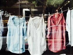ユニクロのリネンシャツ、今年買うべきカラーとサイズはこれ!