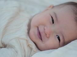 赤ちゃんの成長記録に!手形アートのやり方&真似したいアイデア10